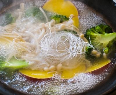 野菜たっぷり春雨スープ